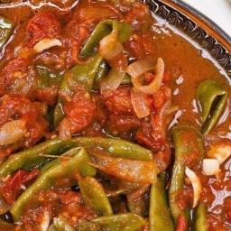 Fasolia (tomato-spiced green beans)