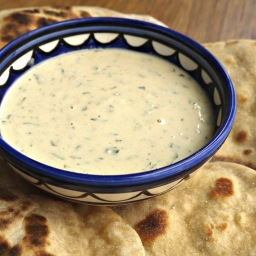 Tahini sauce with lemon and parsley