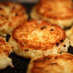 Crunchy potato-polenta cakes