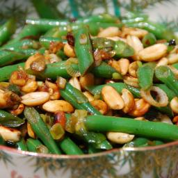 Stir-fried spicy green beans with peanuts