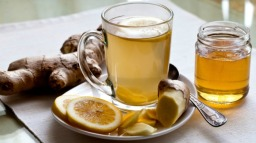 Green tea with ginger, lemon & honey